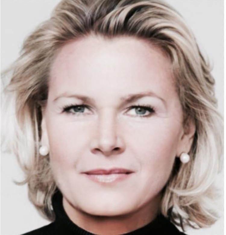 Mag. Evelyn SCHÖRKHUBER